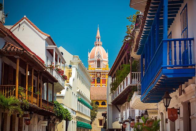 Classic seduction in Cartagena