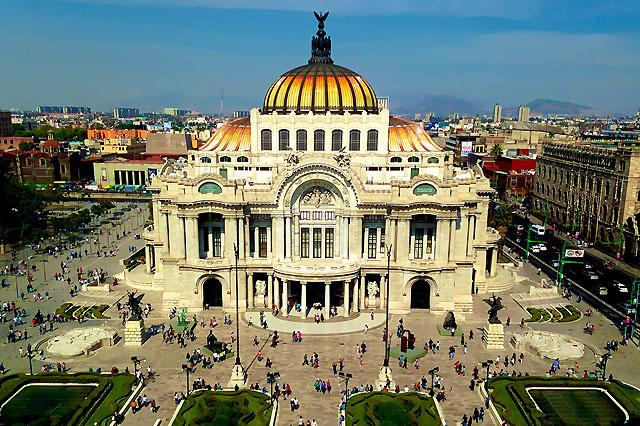 Mega pursuits in Mexico City